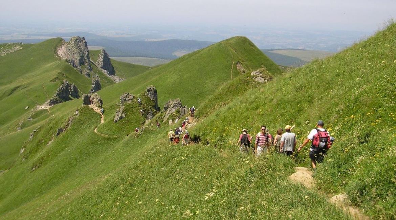 AUVERGNE : Cinq idées rando pour découvrir ce territoire à pied