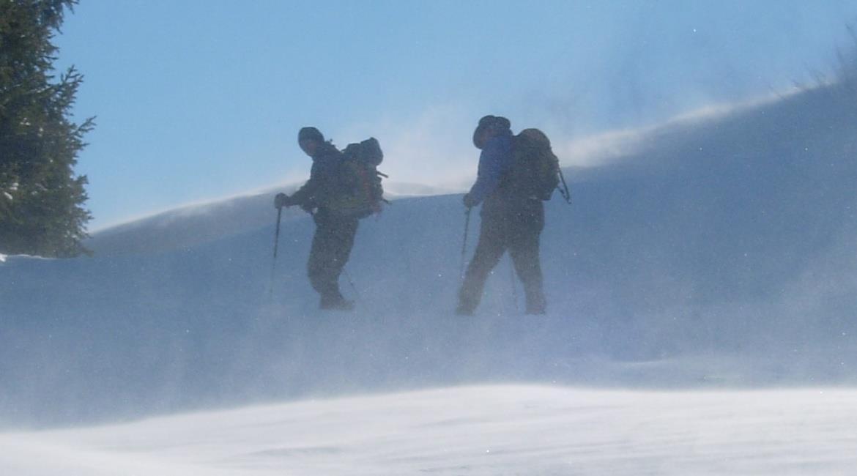 JURA : Un week end à raquettes à neige sur le plateau de Retord