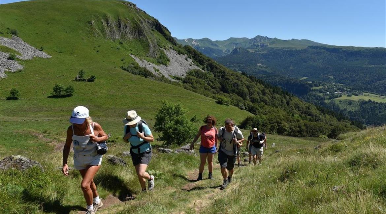 Dix idées de randonnées en Auvergne