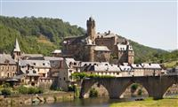 Sur le chemin vers Saint-Jacques-de-Compostelle, Estaing : un régal pour les yeux